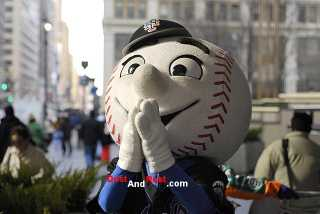 Dust and Rust Mr. Met