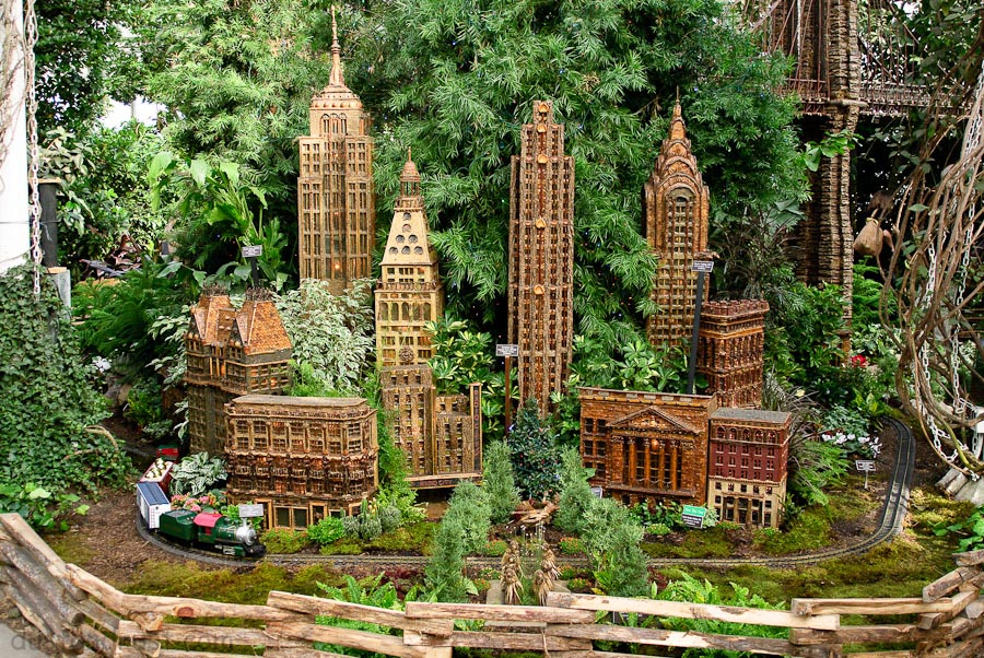 New york botanical garden train show dust and rust Botanical garden train show